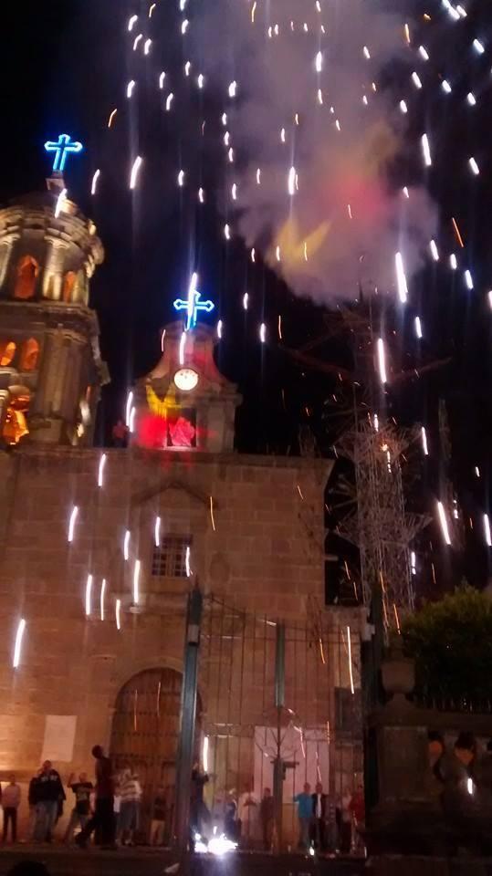 Espectáculo de fuegos artificiales del sábado 18 de octubre de este año. Foto: facebook.com/virgendelroZario
