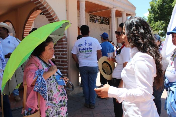 La candidata visitó este domingo la comunidad de La Laja en Zapotlanejo. Foto: Alfredo Olivarez