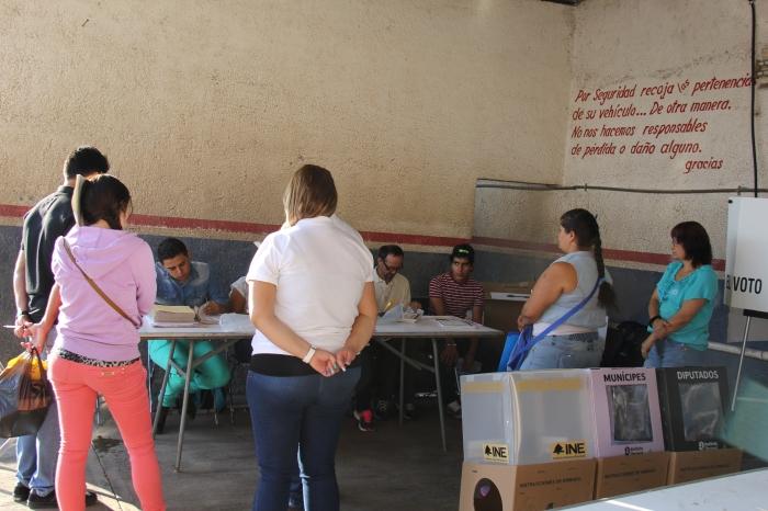 Las casillas de la sección 3282 iniciaron actividades pasadas las 9 de la mañana. Foto: Lucía Castillo