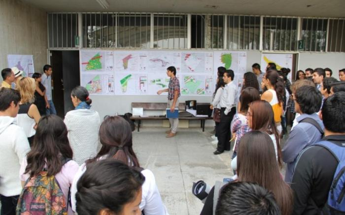 Los alumnos durante su exposición el mes pasado. Foto: Cortesía UdeG