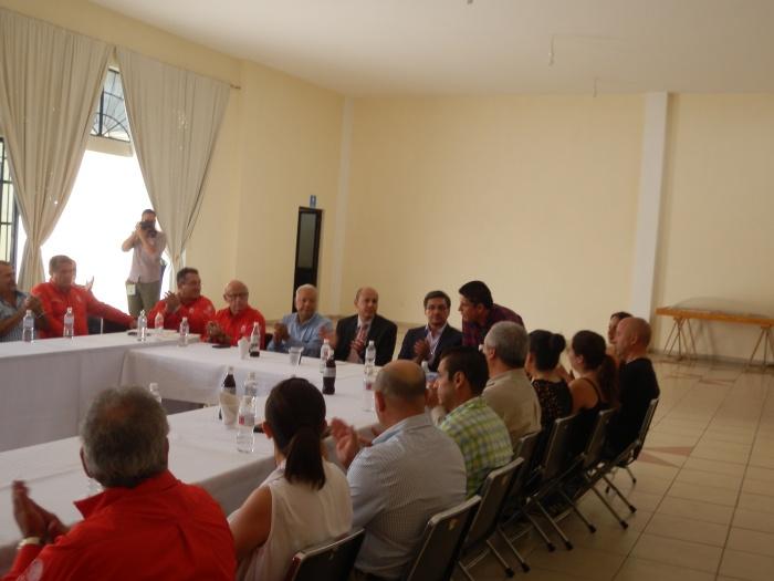 Los empresarios dialogaron con autoridades del IMSS Jalisco durante casi dos horas que duró la junta. Foto: Lucía Castillo