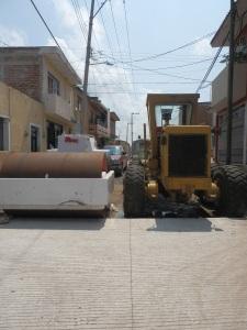 Calle Cuahutemoc al cruce con De las Rosas, hasta donde llega el pavimento hidráulico. Foto: Lucía Castillo