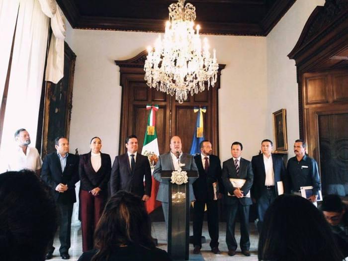 Héctor Álvarez, alcalde electo de Zapotlanejo estuvo presente en la reunión con el gobernador de Jalisco. Foto: facebook.com/HectoAlvarezrenMovimiento