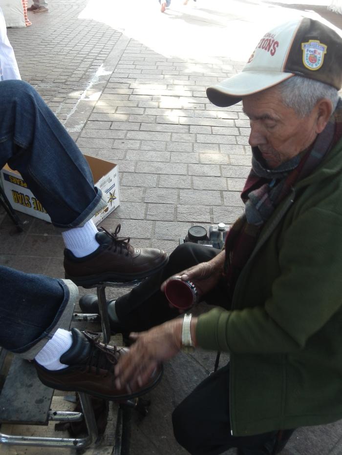 Luis Nuño, bolero de oficio desde hace 43 años en Zapotlanejo. Foto: Lucía Castillo