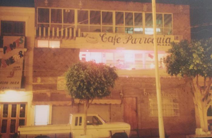 """Fachada del """"Café Parroquia"""", sobre la calle Morelos. Foto: cortesía"""