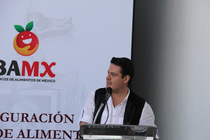 Aristóteles Sandoval al inaugurar hoy el Banco de Alimentos en Zapotlanejo. Foto: Lucía Castillo