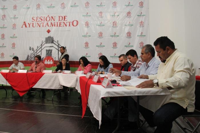 La sesión de cabildo ayer en Casa de la Cultura. Foto: Lucía Castillo