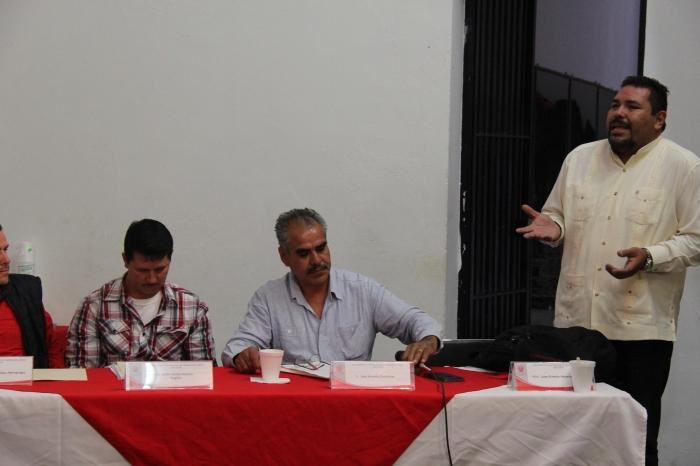 Ernesto Navarro en la sesión de cabildo. Foto: Lucía C.