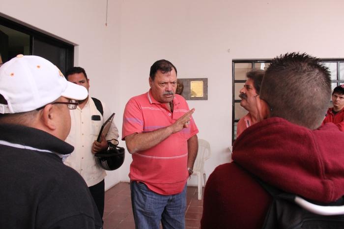 En imagen, Héctor Álvarez, Javier Pulido y de espaldas, Carlos González. Foto: Lucía C.