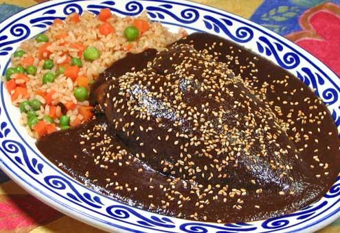El mole más conocido es sin duda el  mole poblano. Foto: comoeneltianguis.com.mx