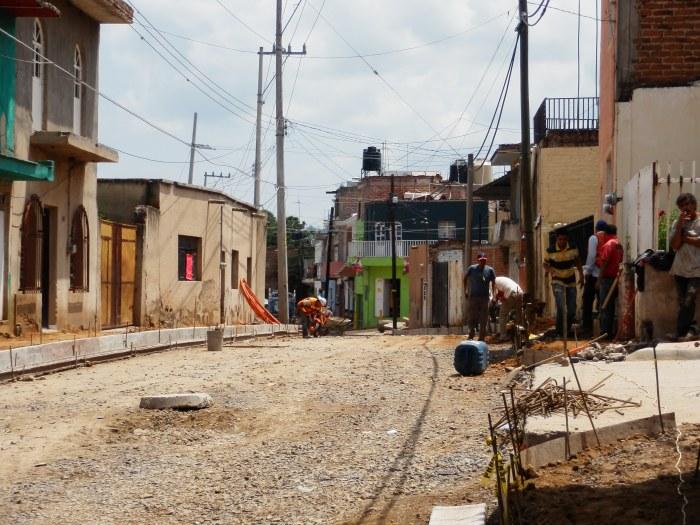Fragmento de la calle Cuauhtémoc en su cruce con Moctezuma, hasta el puente de San Martín. Foto: Lucía C.