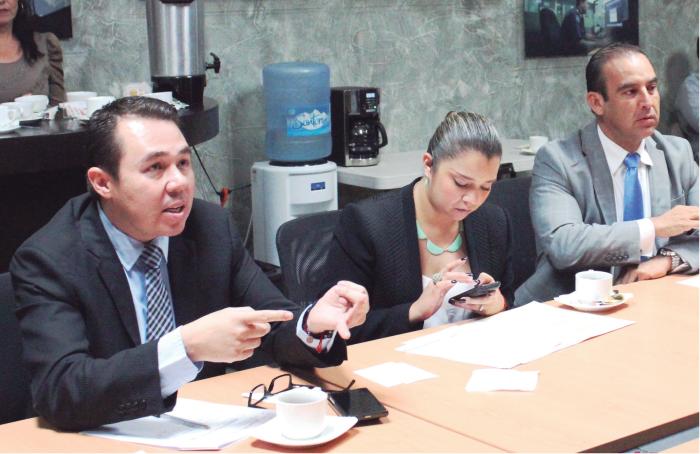 José Luis Munguía acompañado de autoridades estatalesCoordinando Coordinando las acciones de la bancada del PAN