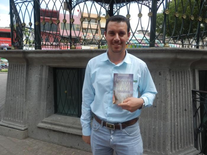 Marcos Olivares Robles, autor de Pensamientos del Alma. Foto: Lucía C.