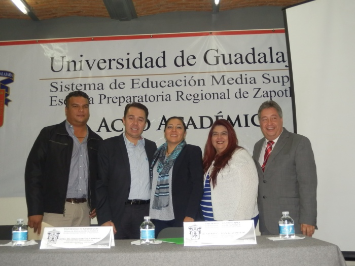 De izquierda a derecha, Raúl Villegas, José Luis Munguía, María Luisa Martínez,  Cecilia Macías y Hugo Durán.