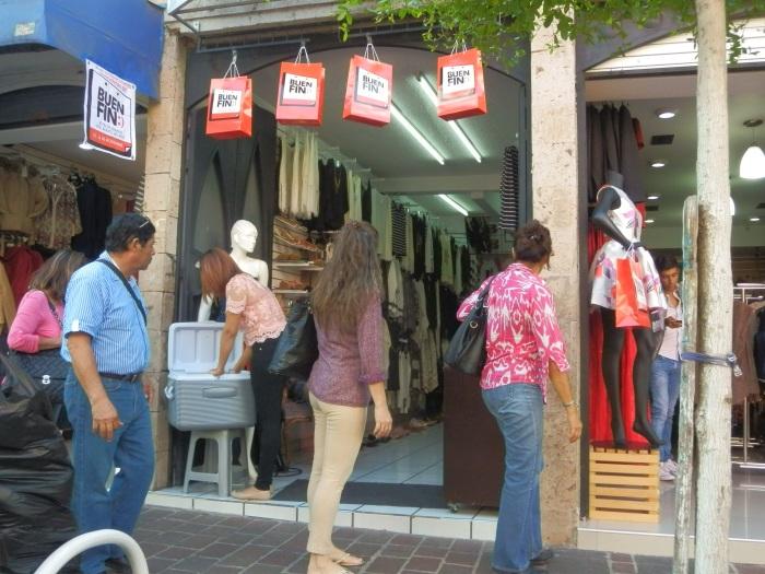 El buen fin en la calle Guadalupe Victoria. Foto: Lucía C.