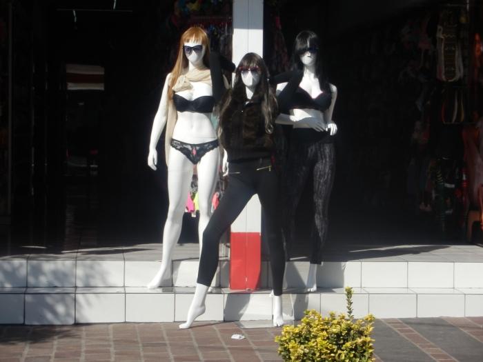 Tienda de ropa en calle Juárez