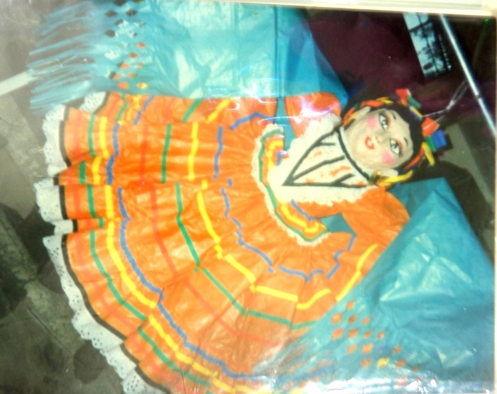 La bailarina que impulsó a Elisa Cervantes a dedicarse al oficio de hacer piñatas. Imagen de cortesía