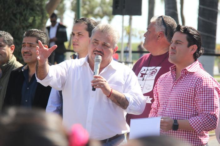 El alcalde de Chapala, Javier Degollado, junto al gobernador Aristóteles Sandoval
