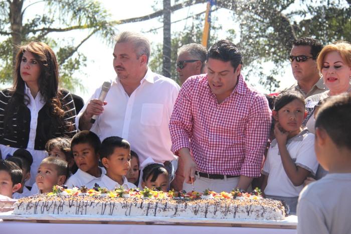 El Gobernador Aristóteles Sandoval celebró su cumpleaños en Chapala