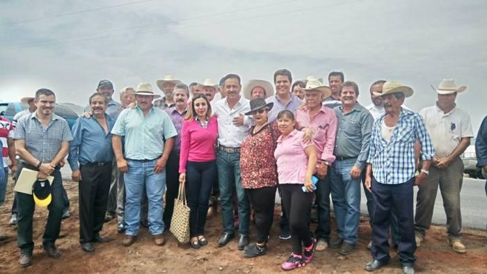 Integrantes de la organización política UR acompañaron al delegado de la SCT en Jalisco, Bernardo Gutiérrez Navarro
