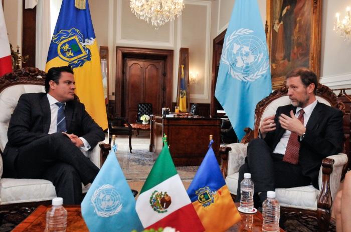 Jan Jarab se reunió con el Gobernador de Jalisco Aristóteles Sandoval (Foto: Cortesía).
