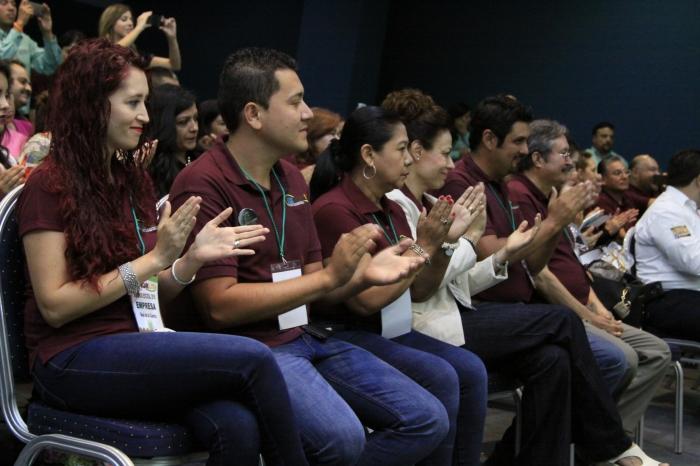 Representantes de las empresas que se dieron cita en el certamen de REN(Foto: Cortesía).