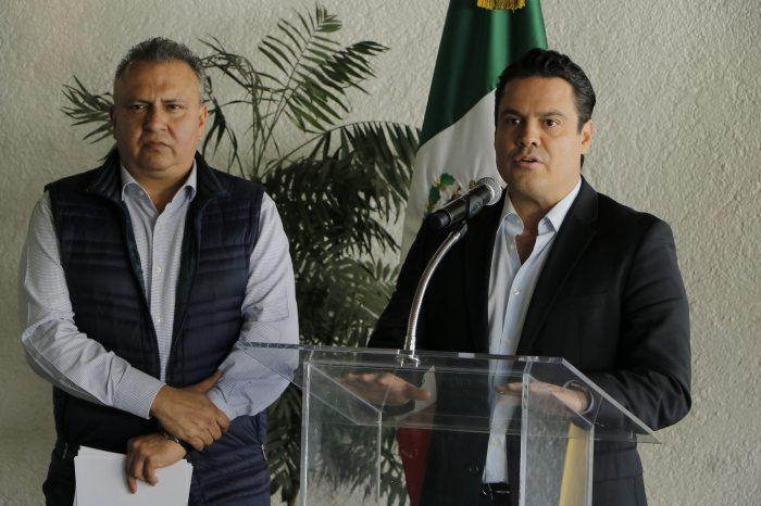 El director de liconsa y el gobernador de la entidad. Foto: jalisco.gob.m