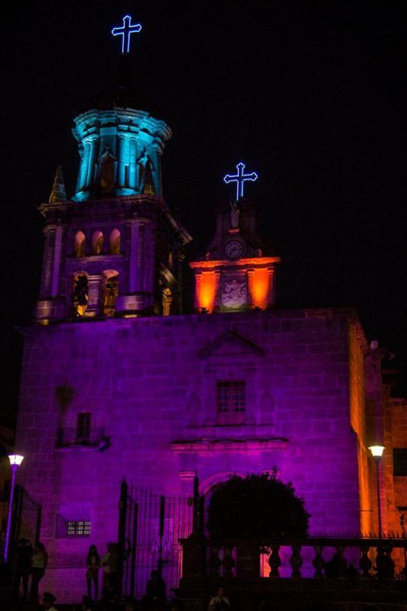 La Parroquia Nuestra Señora del Rosario - Zapotlanejo fue iluminada especialmente para este evento. Foto: Edgar Olivares